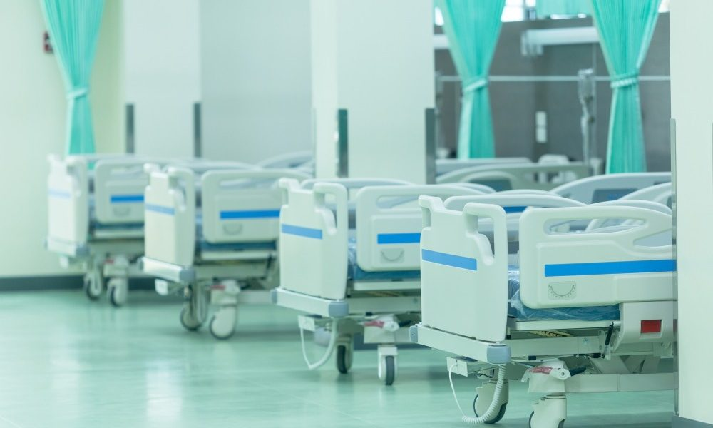 Soins médicaux à la maison : comment bien choisir son lit médicalisé?